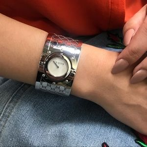 Gucci Accessories - Gucci White Stainless Steel Ladies Bangle Watch